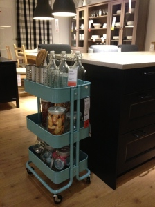 I looooove this kitchen cart for craft storage!