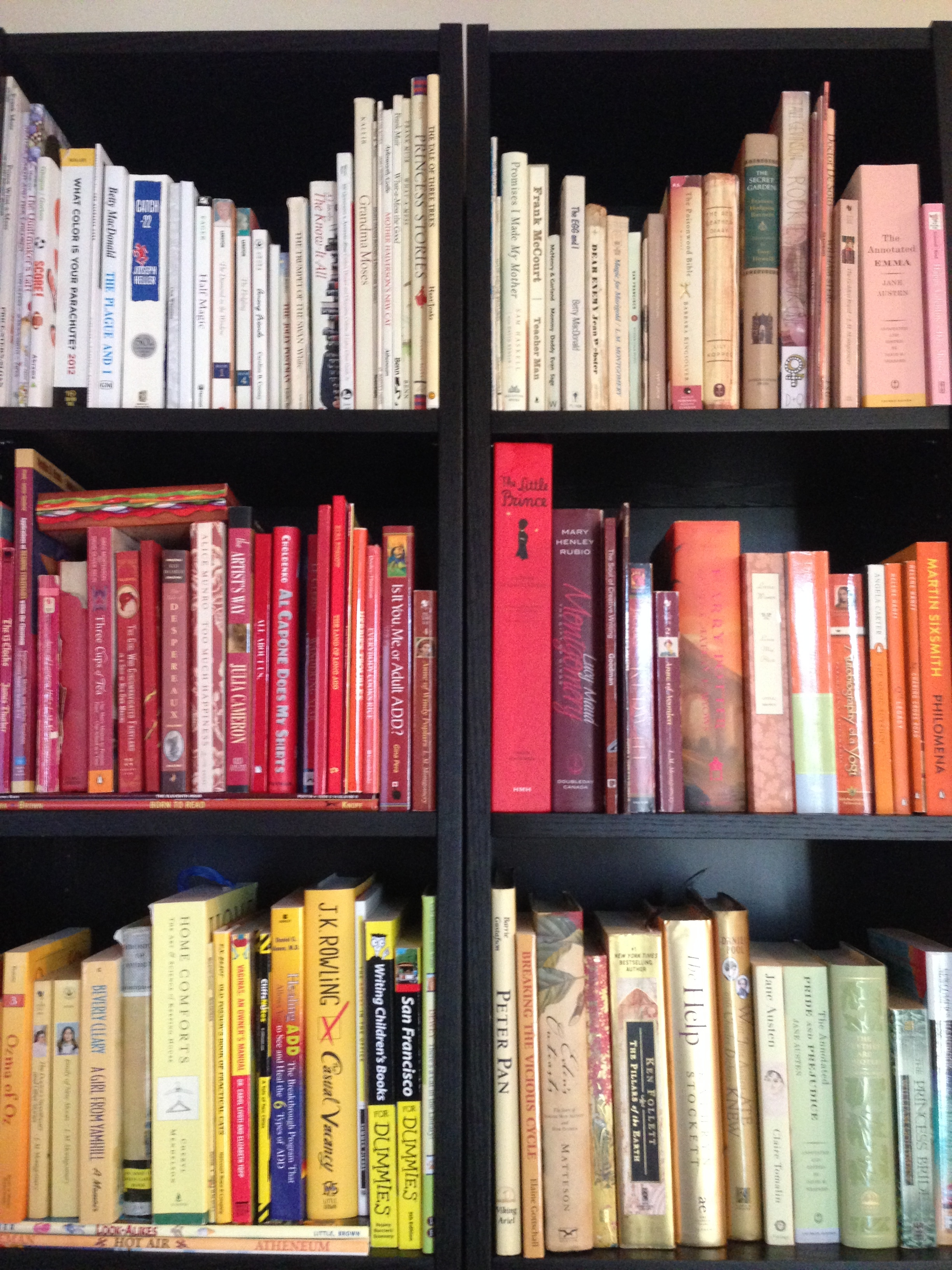 Project Pinterest Organize Books by Color The Amateur Librarian