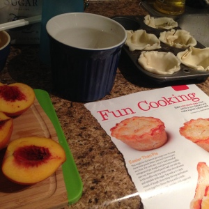 The Amateur Librarian // Mini Peach Pies