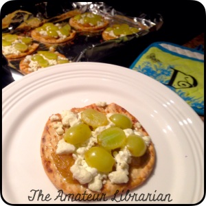 The Amateur Librarian // Flatbread with Goat Cheese, Grapes, & Caramelized Onions