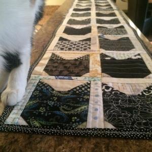 The Amateur Librarian // QAYG Black Cat Table Runner