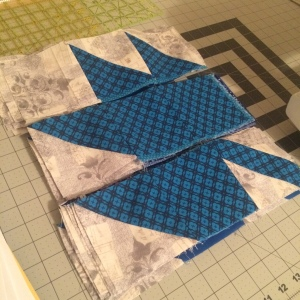 The Amateur Librarian // Modern Maples Quilt