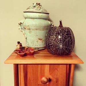 The Amateur Librarian // Fall Decor